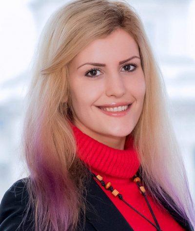 Яна Маринова, Адвокат